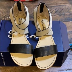 Congo elastic sandals